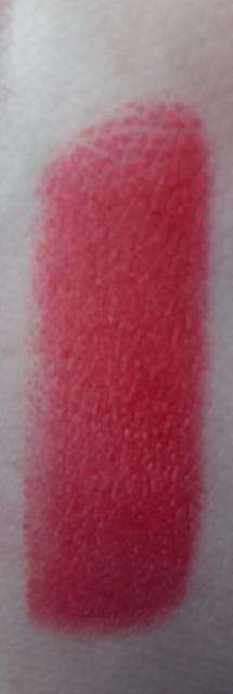 Viva Glam Rihanna Lipstick Swatch on southeastbymidwest.com