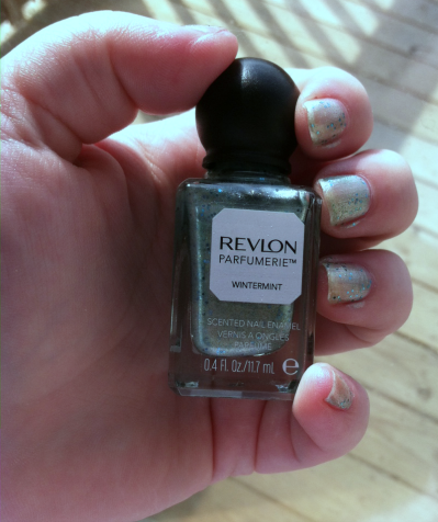 Revlon Scented Nail Polish in Wintermint One Coat on southeastbymidwest.com #nails #nailart #bbloggers #revlon