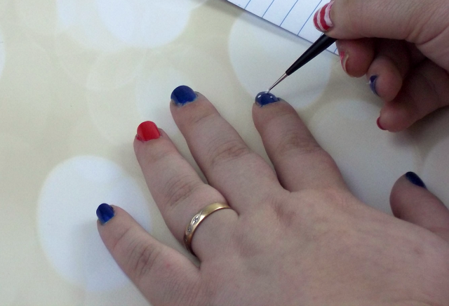 4th of July Nail Art Tutorial Applying Dots on southeastbymidwest.com #nails #nailart #beauty #bblogger #4thofjuly