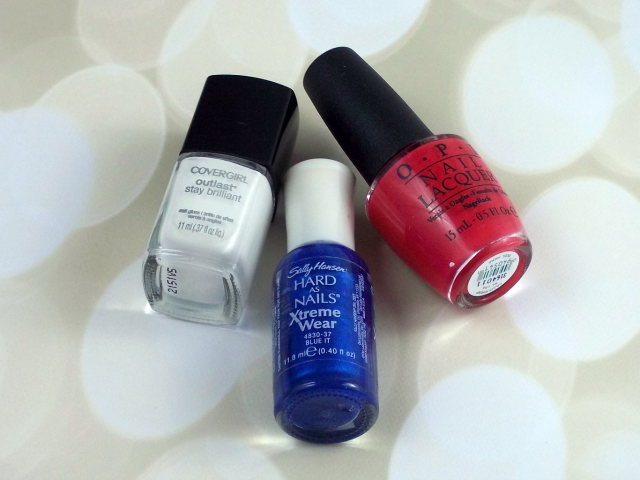 4th of July Nail Art Tutorial Polishes on southeastbymidwest.com #nails #nailart #beauty #bblogger #4thofjuly