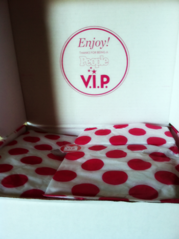People VIP Gift Box Reveal on southeastbymidwest.com #peoplevip #beautyblogger #bblogger #kloutperk