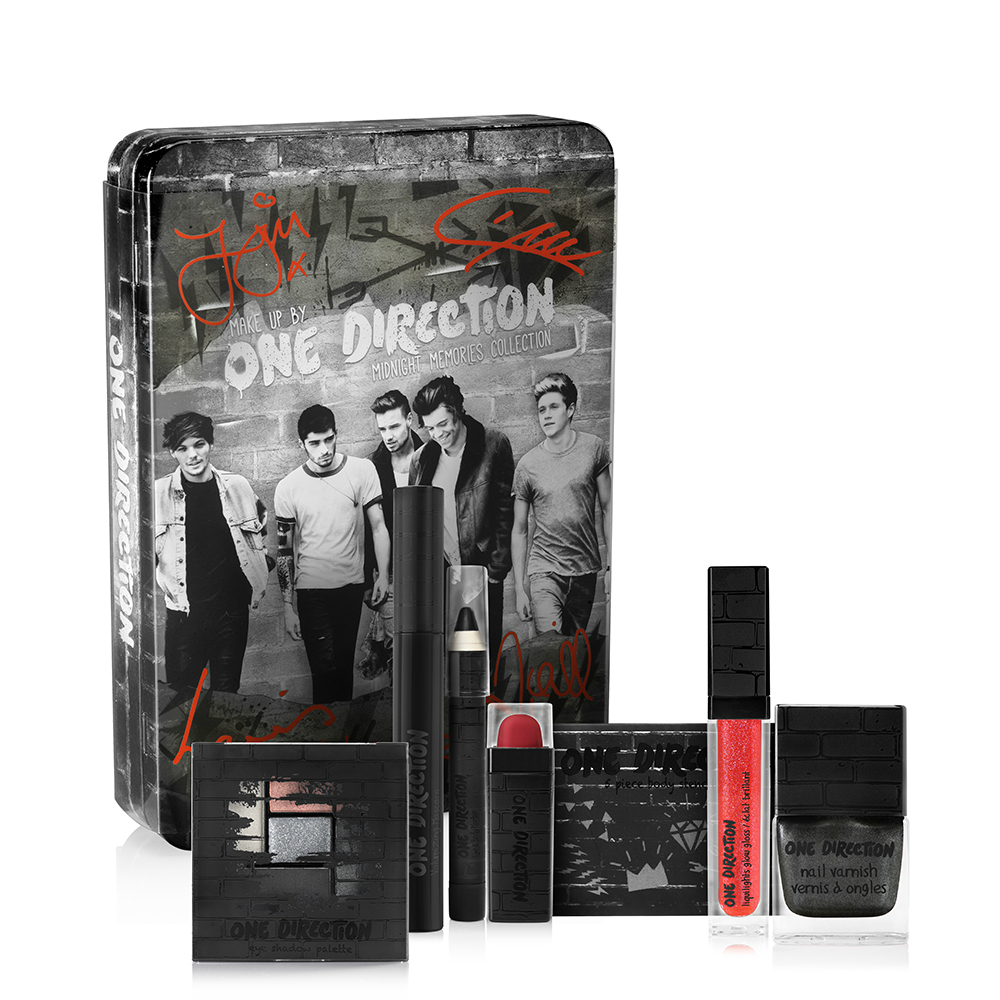 Makeup by One Direction Midnight Memories Set on southeastbymidwest.com #giveaway #beauty #bblogger #makeup #onedirection #makeupby1D   #thelookscollection #markwins