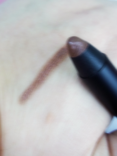 Glossybox June 2014 Sumita Beauty Eye Shadow Stick in Champagne Swatch on southeastbymidwest.com #glossybox #beautyblogger #bblogger #beauty #subscriptionbox #sumitabeauty
