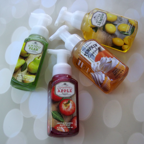 Bath and Body Works Haul Gentle Foaming Hand Soap on southeastbymidwest.com #bathandbodyworks #haul #bathandbodyworkshaul #handsoap #farmstandapple #meyerlemon #anjoupear #pumpkincupcake