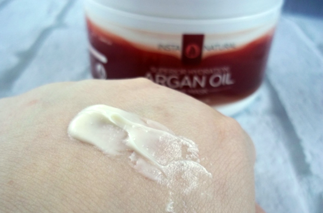 InstaNatural Argan Oil Hair Mask Product on Hand on southeastbymidwest.com #InstaNatural #HairMask #beauty #beautyblogger