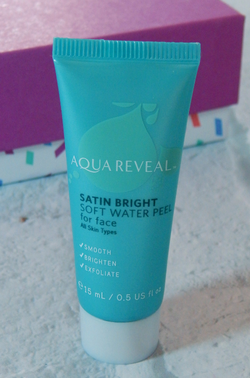 One of the items in the January Birchbox was the Aquareveal Water Peel