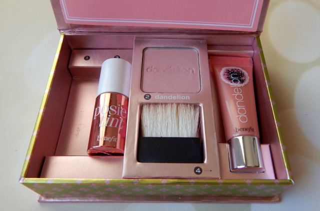 One of my favorite blushes is Benefit Dandelion from the Feelin Dandy Collection