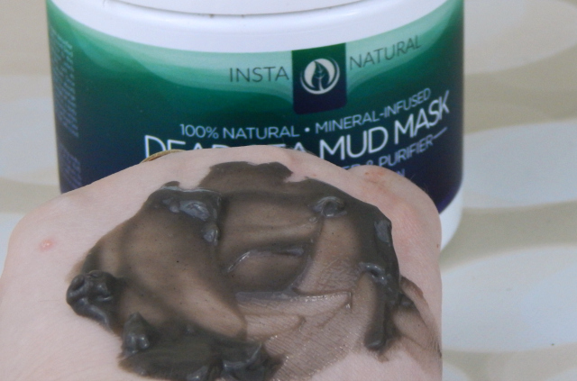 InstaNatural Dead Sea Mud Mask Applied