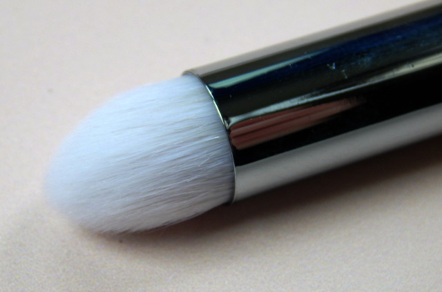 Real Techniques Bold Metals Pointed Crease Brush Bristles