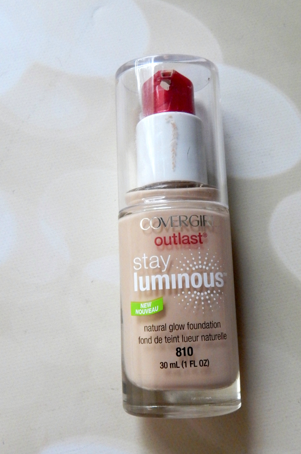 A review of the CoverGirl Stay Luminous Foundation #covergirl #stayluminous #foundation #beauty #beautyblogger #bblogger #review #beautyreview