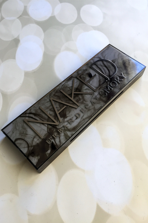 Urban Decay Naked Smoky Palette Closed #beauty #bbloggers #cosmetics #urbandecay