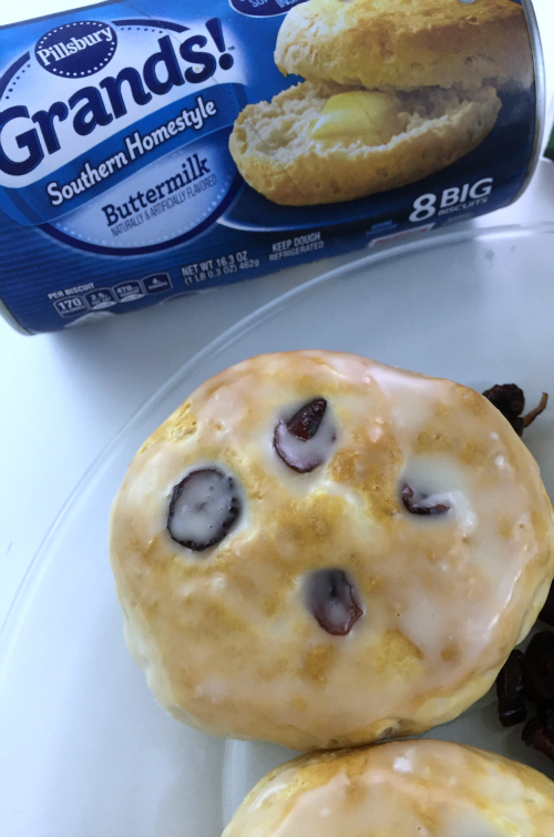 Glazed Cranberry Biscuits Pillsbury #food #thanksgiving #ThanksgivingWithPillsbury #Pillsbury