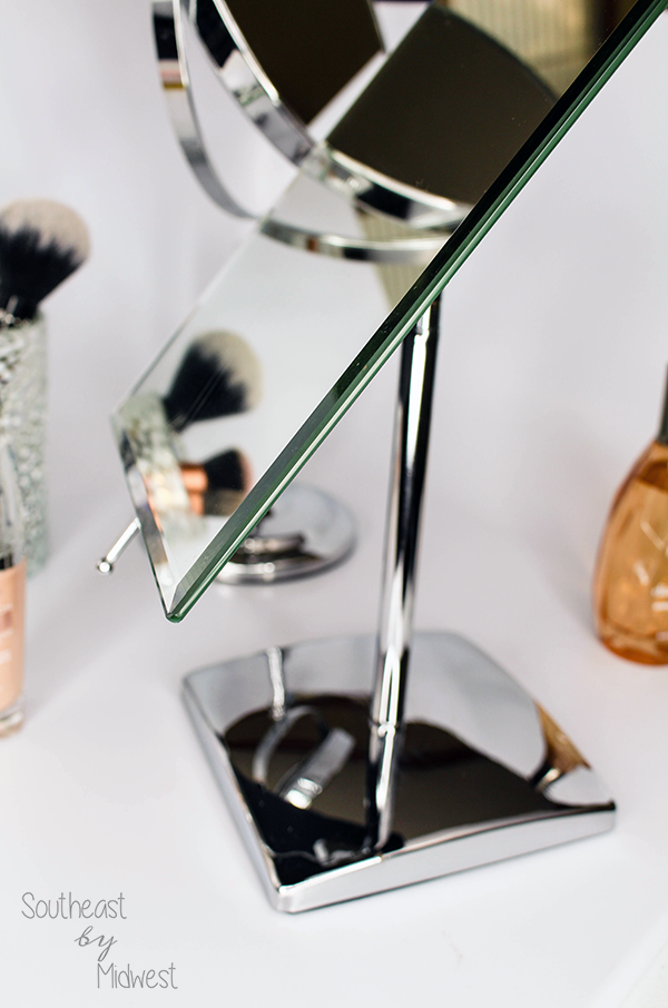 Mirrorvana Rectangular Mirror || Southeast by Midwest #beauty #bbloggers #mirrorvana