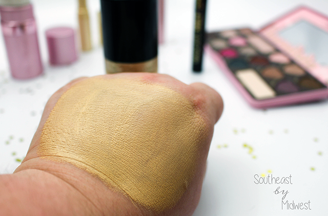 Too Faced Born This Way Foundation Swatch || Southeast by Midwest #beauty #bbloggers #toofaced
