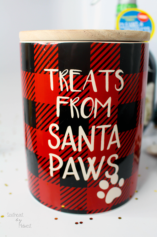 DIY Gift Basket: New Pet Edition Treat Jar || Southeast by Midwest #CarpetProtect #ad #cbias