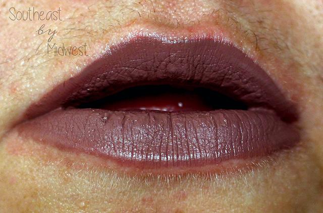 Jeffree Star Holiday Lip Bundle Deceased Lip Swatch    Southeast by Midwest #beauty #bbloggers #jeffreestar