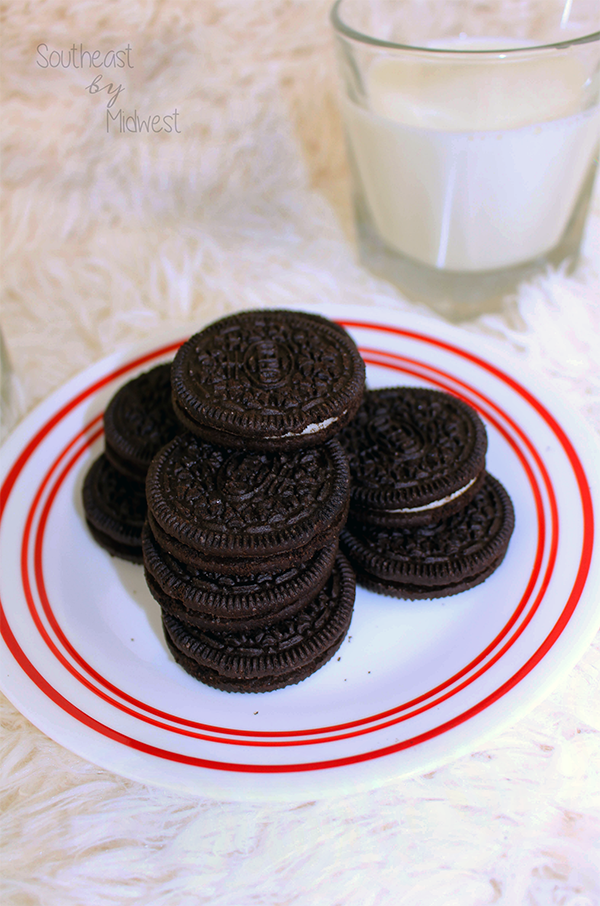 Oreo Dunking Styles || Southeast by Midwest #oreo #OreoDunkSweepstakes #food