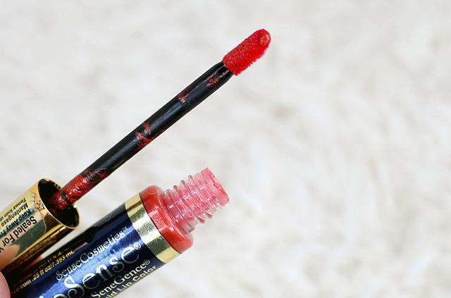 How to Use Lipsense Wand || Southeast by Midwest #beauty #bbloggers #beautyguru #lipsense
