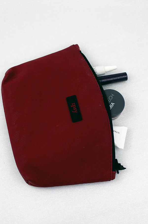 October Ipsy Bag Review || Southeast by Midwest #ipsy #beauty #beautyguru #bbloggers