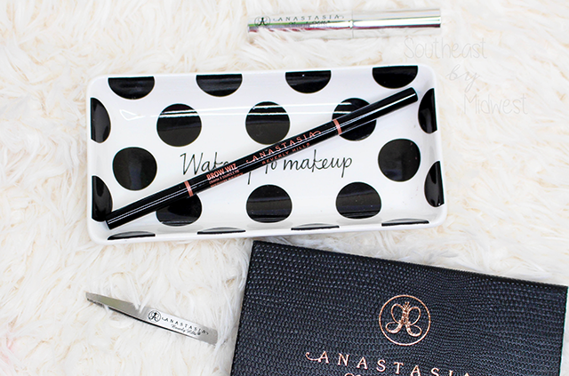 Anastasia Beverly Hills Brow Wiz Review About || Southeast by Midwest #beauty #bbloggers #anastasiabeverlyhills #anastasiahills
