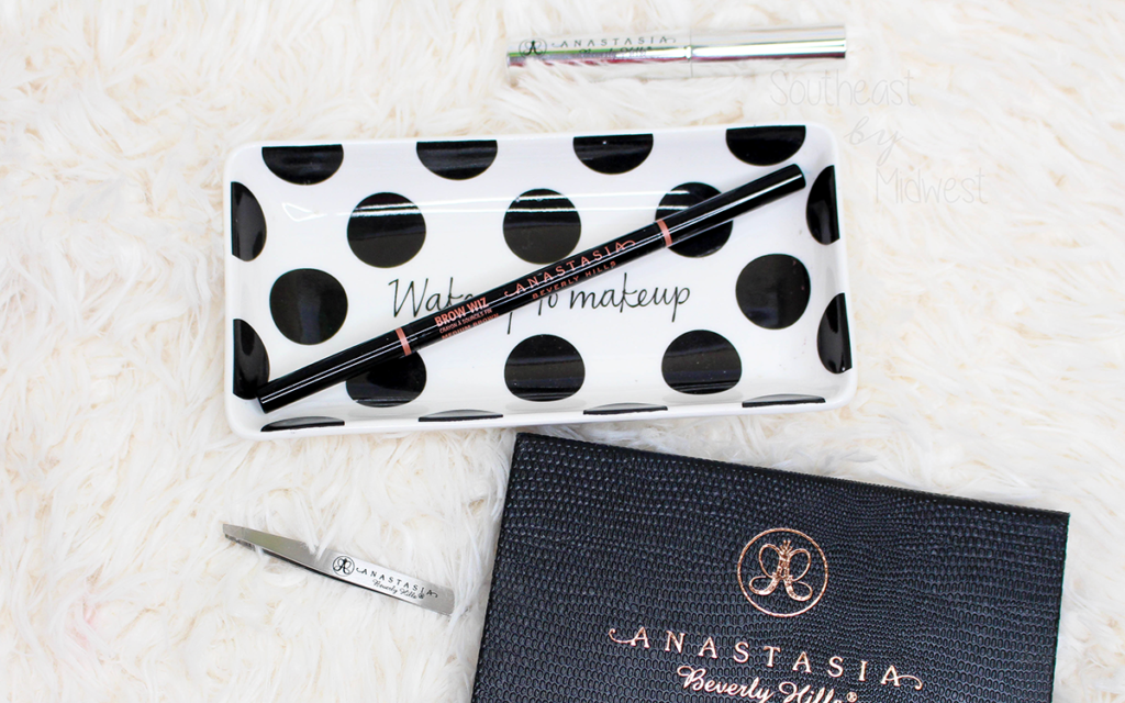 Anastasia Beverly Hills Brow Wiz Review Featured Image || Southeast by Midwest #beauty #bbloggers #anastasiabeverlyhills #anastasiahills